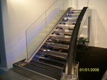 straight staircase with a lateral stringer (metal frame and steps)  crestani2000