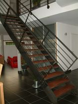 straight staircase with a lateral stringer (metal frame and wood steps)  M&eacute;tal Passion
