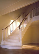 straight staircase with a lateral stringer (wooden frame and steps)  TrapArt