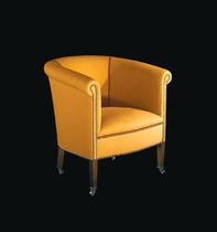 traditional armchair with casters CLUB William Yeoward