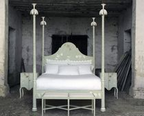 traditional canopy double bed Roma bed Porte Italia Interiors