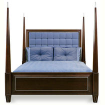 traditional canopy double bed CIRCA PHYLLIS MORRIS