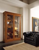 traditional display case DOLCE VITA by Angelo Pontecorbi FBL