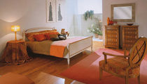 traditional double bed VILLA BORGHESE SELVA