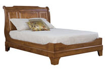traditional double bed VIRGINIA  NICHOLS & STONE