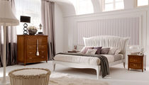 traditional double bed LUNGARNO DELLA SIGNORIA L5PE by P. Pradella  MASSON MATIEE