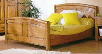 traditional double bed CEVENNES Girardeau