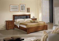 traditional double bed PR-1084 Signature Home Collection