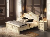traditional double bed BEATRICE Onlywood SRL