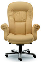 traditional executive leather armchair DOGE by R&D Leyform Leyform spa