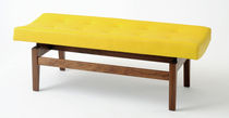 traditional garden bench in certified wood (FSC-certified) U620 by Jens Risom BENCHMARK