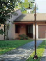 traditional garden lamp post C672 Ferroluce srl