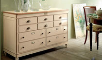 traditional lacquered chest of drawers ATELIERS & BOUTIQUES 1 Bassi F.lli