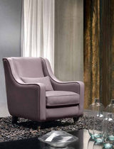 traditional leather armchair DIAMANTE Cava