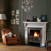 traditional mantel for fireplace THE GEORGIAN: CHILLINGTON  Chesney
