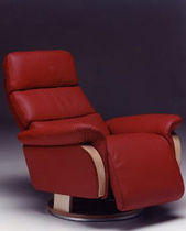 traditional swivel armchair KING Satis