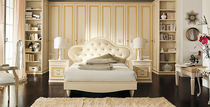 traditional upholstered double bed PITTI + PITTI CHARM Homes