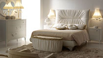 traditional upholstered double bed LA DOLCE VITA : PIAZZA NAVONA by P. Pradella  MASSON MATIEE