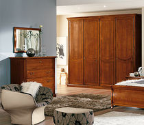 traditional wooden wardrobe RAFFAELLO  Homes