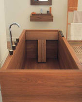 wooden rectangular bath-tub  WILLIAM GARVEY