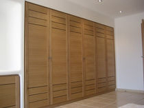wooden walk-in wardrobe  Createam-design