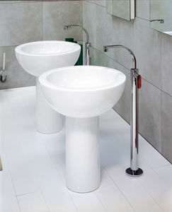 Washbasin Mixer Tap / Floor Mounted / Chromed Metal / Brass