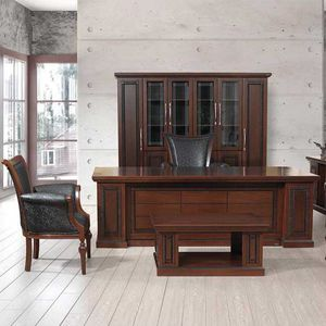 Executive Desk / Wooden / Traditional / Commercial
