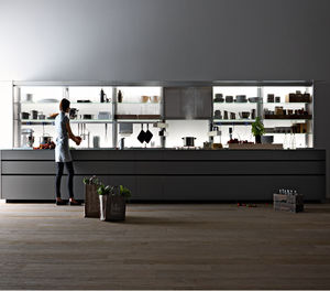 VALCUCINE. Contemporary Kitchen / Lacquered Wood / Glass / Ecological