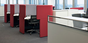 Floor Mounted Office Divider Fabric Soundproofed