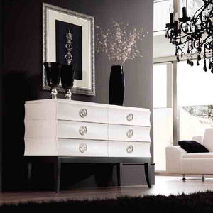 Classic chest of drawers - All architecture and design ...