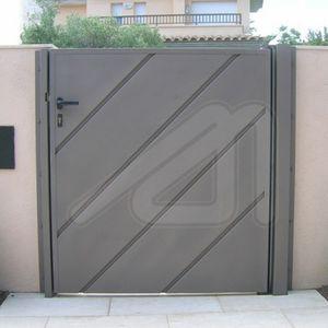 Swing Gates / Steel / Panel / Residential