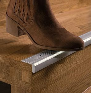 Superbe Aluminum Stair Nosing / Non Slip / With LED Profile
