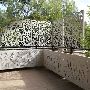 Garden Screen Designs 22 fascinating and low budget ideas for your yard and patio privacy Aluminum Screen Wall Garden Patio Custom