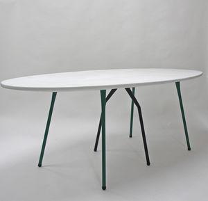 Etonnant Contemporary Table / Steel / Resin / Fiberglass