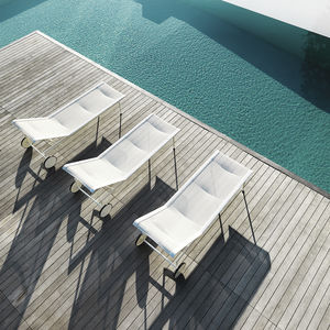 Contemporary Sun Lounger / Mesh / Cast Aluminum / On Casters