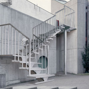 Exterior staircase / quarter-turn / with metal steps / frame