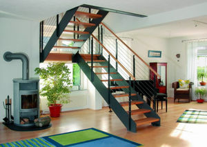 Half-turn staircase / lateral stringer