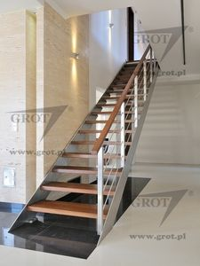 Straight staircase / lateral stringer / metal frame / wooden steps