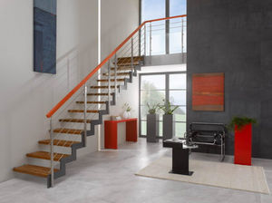 Straight staircase / lateral stringer / wooden steps / metal frame