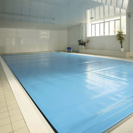 thermal swimming pool cover / for public pools