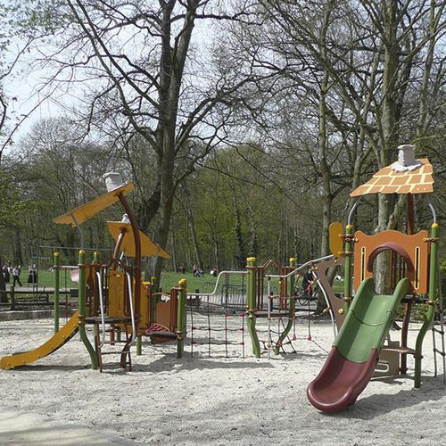 public entity play structure / plastic / steel / HPL