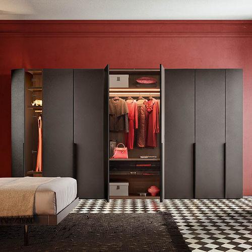 corner wardrobe / modular / contemporary / lacquered wood