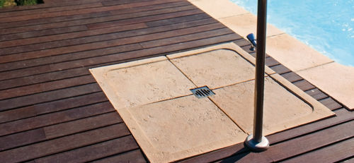 square shower base / composite / garden