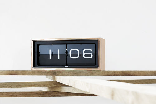 contemporary clock / analog / desk / stainless steel