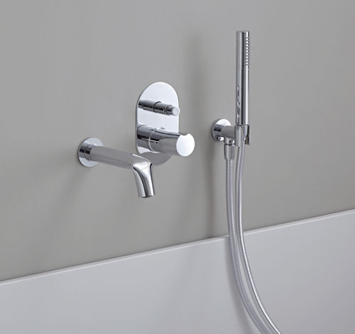bathtub mixer tap / wall-mounted / chromed metal / bathroom