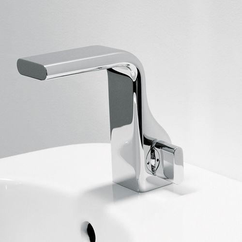 bidet mixer tap / chromed metal / brass / bathroom