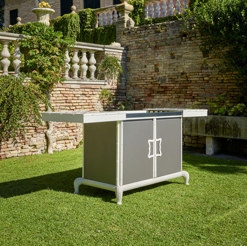 gas barbecue / with legs / steel