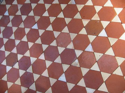 indoor tile / floor / terracotta / Victorian pattern
