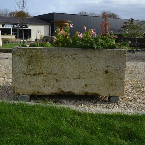 stone planter / rectangular / traditional / for public spaces