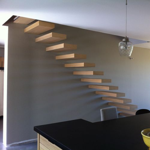 Straight staircase / wooden steps / without risers / contemporary ESCALIER DESIGN 14